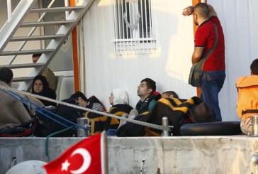 تركيا تمنع لاجئين سوريين من عبور الحدود اليونانية