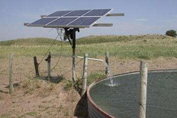 أبار الطاقة الشمسية تخفف أزمة المياه في كينيا
