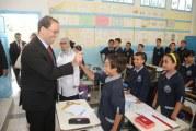 بالفيديو: رئيس الحكومة للمعلمين: لا تسألوا التلاميذ عن مهنة والديهم اسألوهم عن أحلامهم
