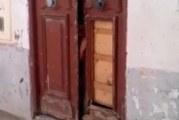 """فضيع: رجل """"يحتجز"""" ابنه بالمنزل في اريانة..ومندوب حماية الطفولة يتحرك (فيديو)"""