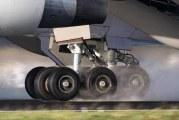 العثور على جثّة بمخزن العجلات الخلفية لطائرة سعودية قادمة من نيجيريا