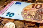 الأورو يبلغ مستوى قياسي جديد و  الدولار في انزلاق