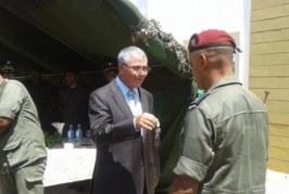 وزير الدفاع: تواصل العملية العسكرية بالمغيلة ونتائج إيجابية لمنظومة المراقبة الإلكترونية على الحدود