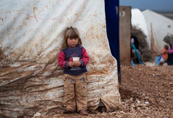 وفاة 15 طفلا في مخيم بسوريا جرّاء البرد