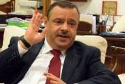 وزير الفلاحة سمير الطيب: البارح كليت الدلاع…والصابة سليمة