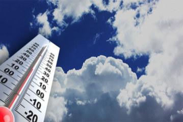 طقس أحيانا كثيف السحب مع أمطار متفرقة ومؤقتا رعدية