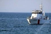الهوارية: جيش البحر يُنقذ 13 تونسيا في عرض البحر