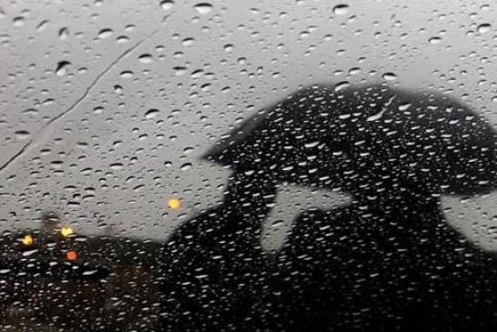 أمطار رعدية وانخفاض درجات الحرارة السبت
