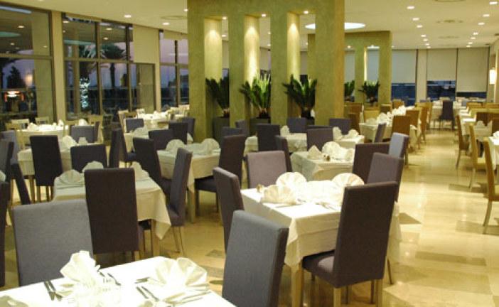فتح المطاعم السياحية بداية من 24 ماي …لكن بشروط