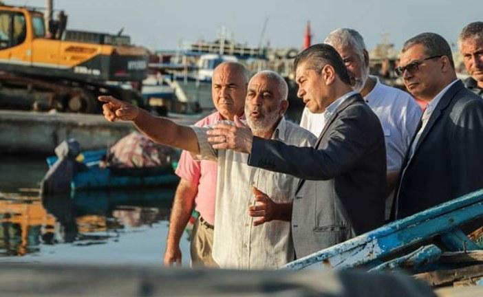 وزير الفلاحة يؤدي زيارة فجئية لموانئ الصيد البحري بولاية المنستير