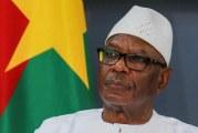 رئيس مالي يستقيل بعد تمرد عسكري