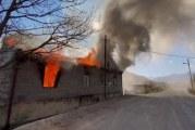 ناغورني قره باغ: سكان القرى الأرمن يحرقون منازلهم قبل تسليمها إلى أذربيجان