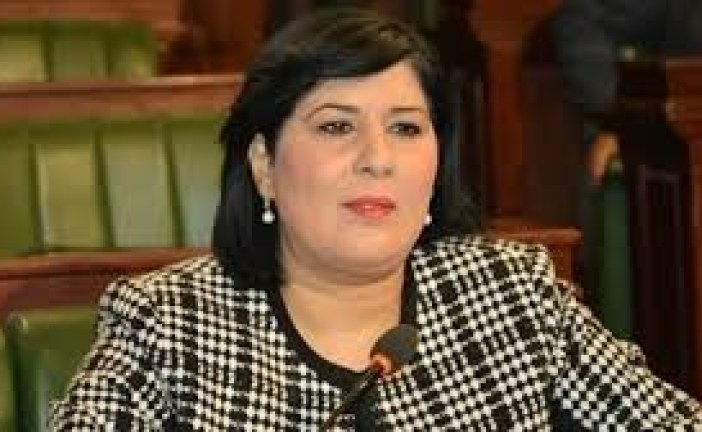 كتلة الحزب الدستوري الحر تنطلق في إمضاء عريضة في طلب سحب الثقة من سميرة الشواشي
