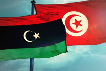 سفير تونس بطرابلس يبحث مع مسؤولين ليبيين تطوير التعاون بين البلدين في مجالات النفط والطاقة والصناعات الكهربائية
