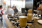 أريانة : الغرفة الجهوية لأصحاب المقاهي والمطاعم : قرار حظر التجوال بمثابة حكم بإعدام القطاع