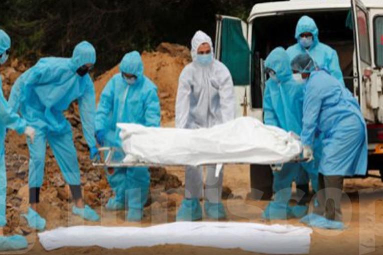 """سيدي بوزيد: انطلاق حملة تلقيح أعوان البلديات المكلفين بدفن الموتى ضد فيروس """"كورونا"""""""