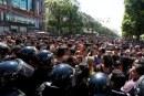 مواجهات عنيفة بين متظاهرين شبان وقوات الأمن في شارع بورقيبقة وايقافات