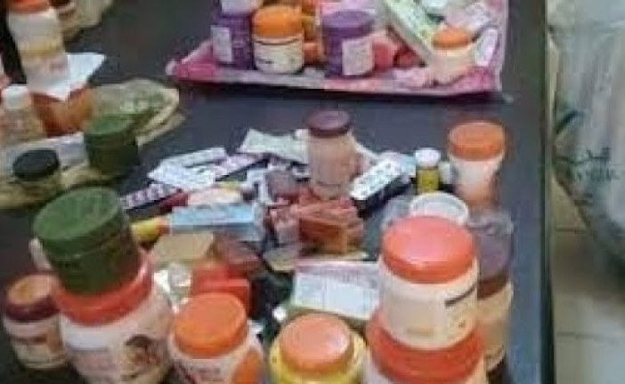 أريانة: مداهمة وحدة عشوائية لصناعة مستحضرات التجميل والعناية بالصحة بسكرة وحجز عدد من المنتجات