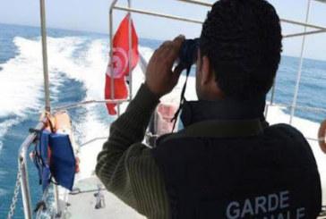 وحدات الحرس تحبط ست عمليات هجرة غير نظامية وتنقذ 67 مهاجرا من الغرق