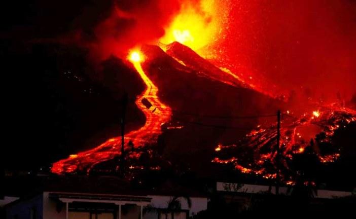 إجلاء 5000 شخص بعد ثوران بركان في جزر الكناري