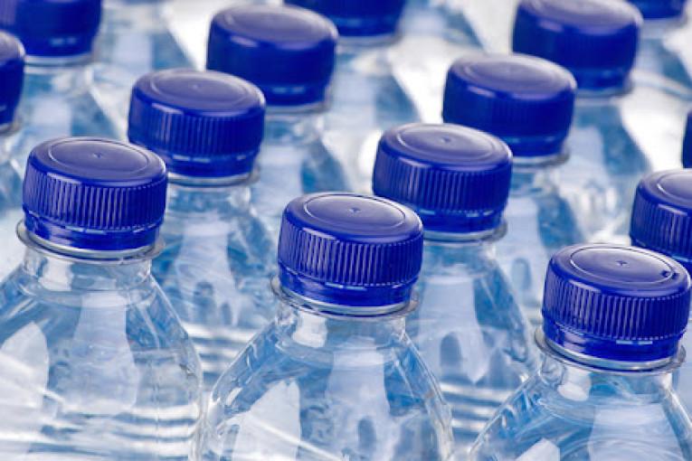 ديوان المياه المعدنية: المياه المعلبة متوفرة في الأسواق بصفة طبيعية